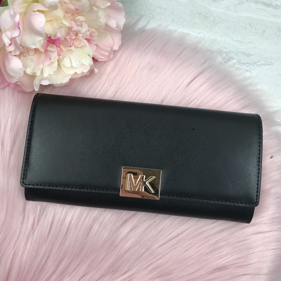 7c42df5c7abb Michael Kors Bags | Mindy Carryall Leather Wallet | Poshmark
